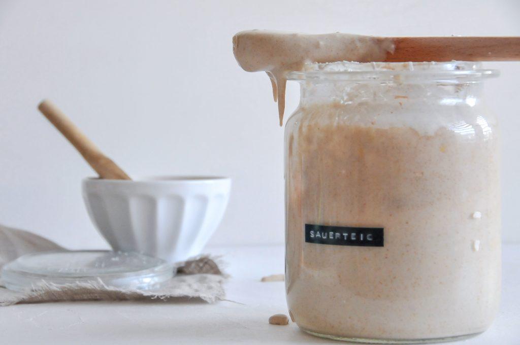Sauerteig selbst ansetzten | Brotbacken mit Sauerteig