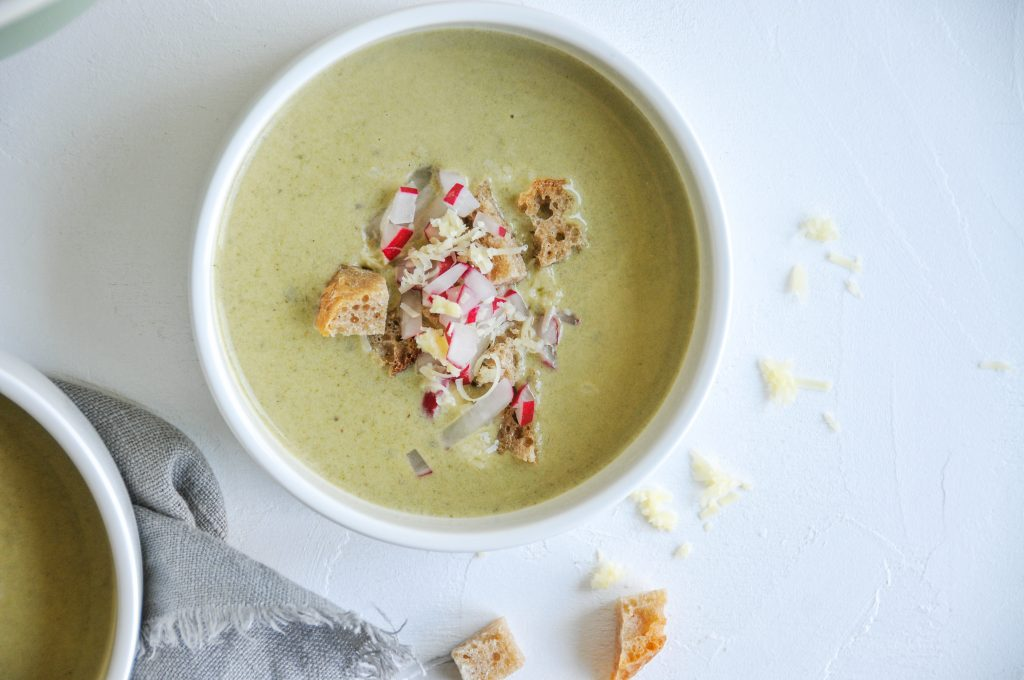 Radieschen Blätter Suppe   cremige Suppe mit Cheddar littlebee