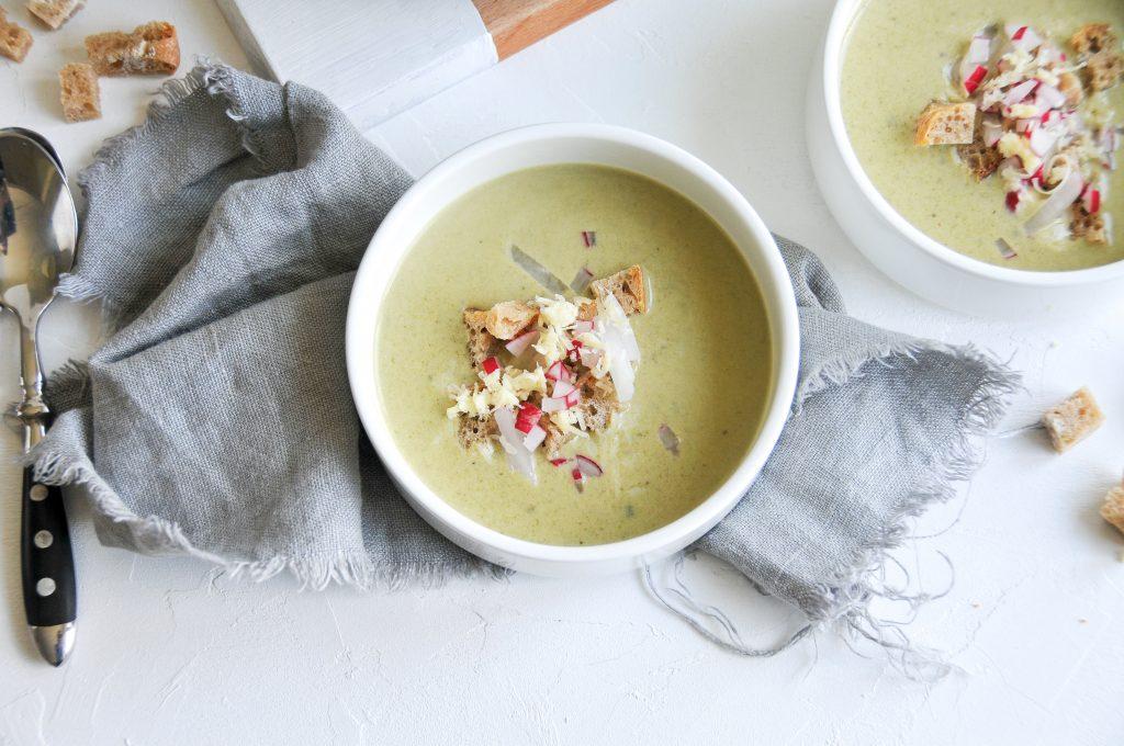 Radieschen Blätter Suppe   cremige Suppe mit Cheddar