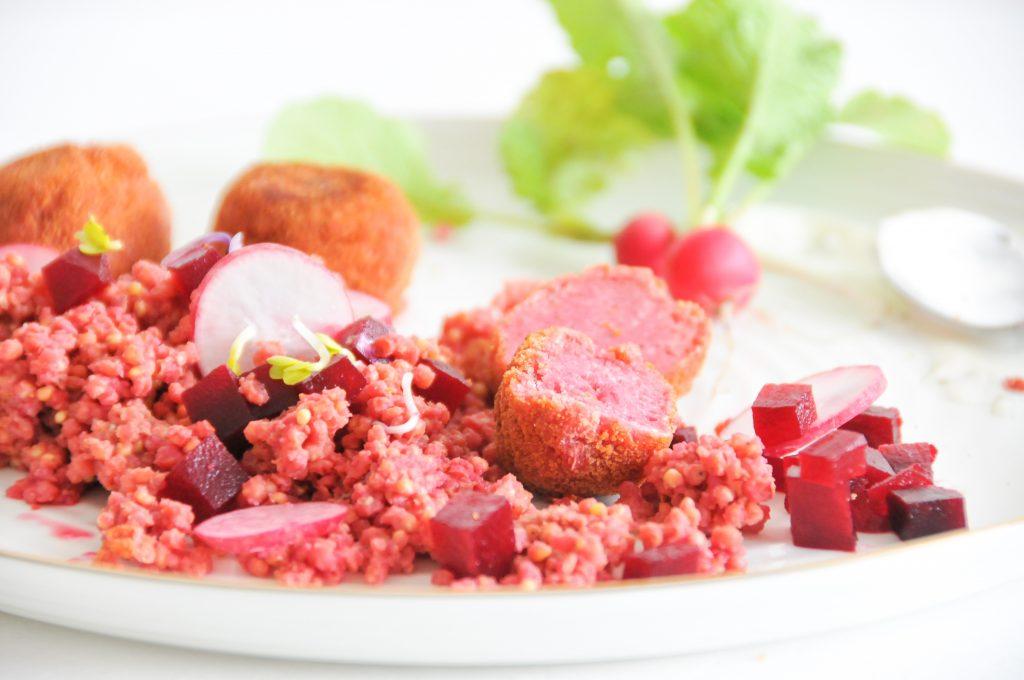 Rote Rüben Falafel mit rosa Goldhirse | aus der Erde auf den Tisch littlebee
