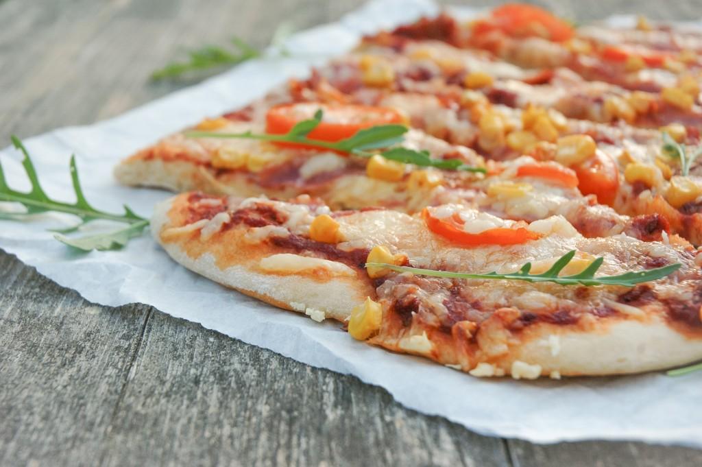 Pizza vom Blech | einfaches Rezept für Homemade Pizza