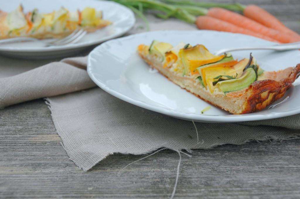 kunterbunte Gemüsequiche mit Karotten und Zucchini