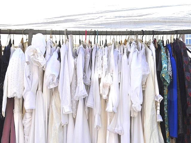mein minimalistischer Kleiderschrank | ein Selbstversuch Update