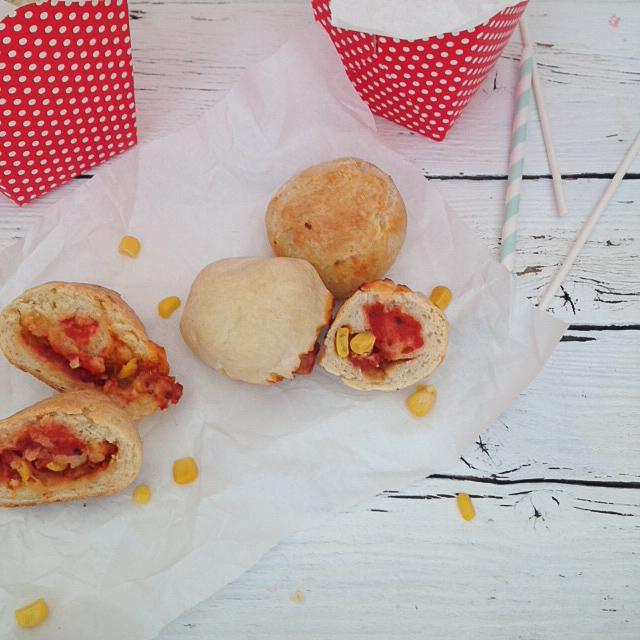Pizzabällchen am Stiel | Partysnacks für Kids