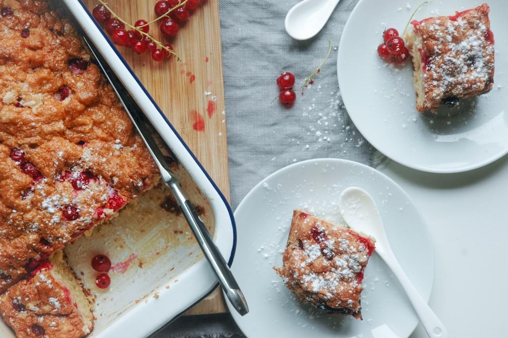 Ribisel Kuchen | sommerlicher Blechkuchen mit Johannisbeeren