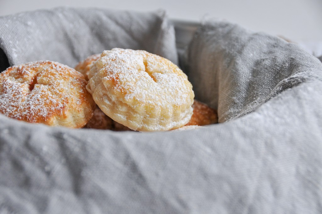 schnelle Blätterteig Taschen mit Marmelade Füllung