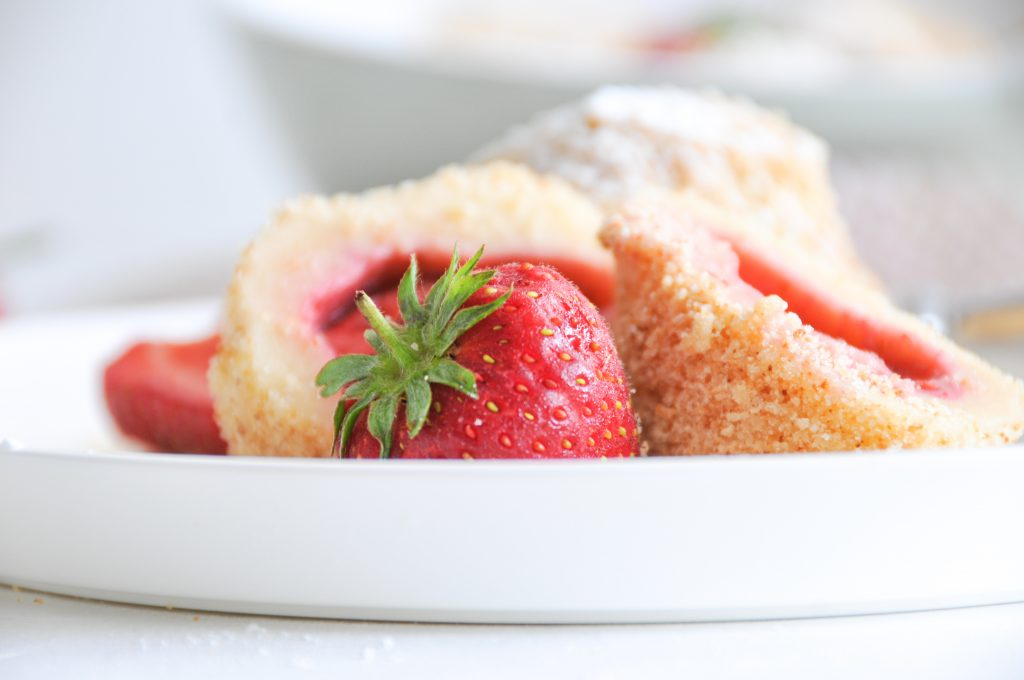 fruchtige Erdbeerknödel | der Sommer auf dem Teller