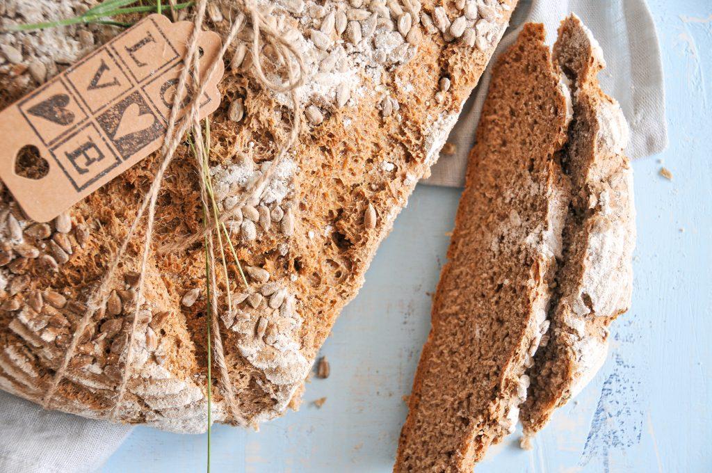 Vollkorn Mischbrot aus Sauerteig | Brot backen