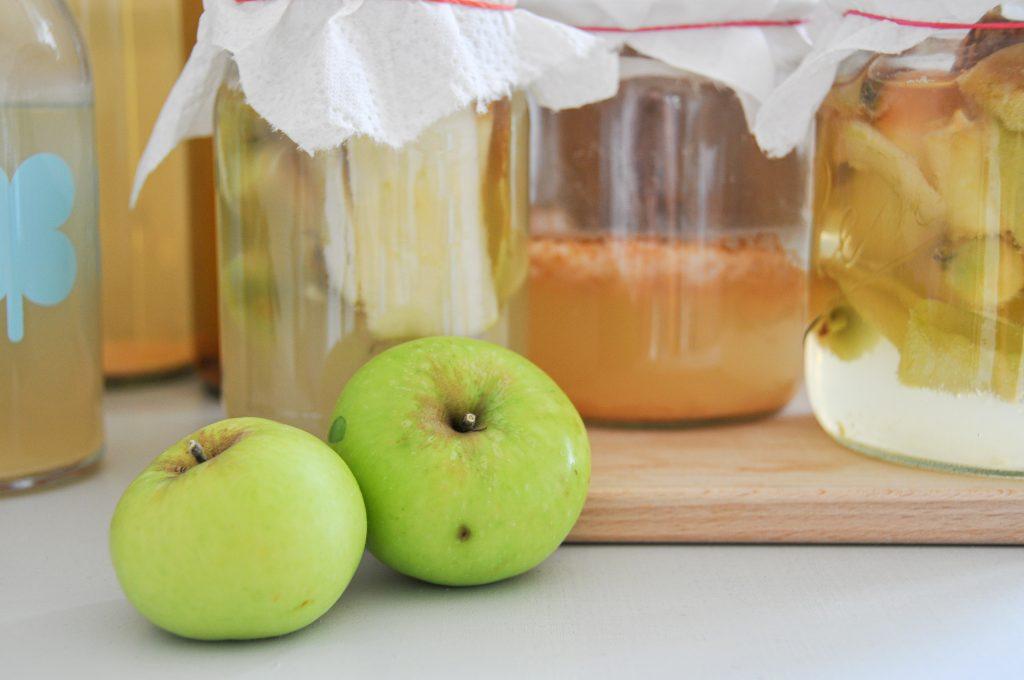 Apfelessig selbst gemacht | Resteverwertung in der Küche und bewusst einkaufen