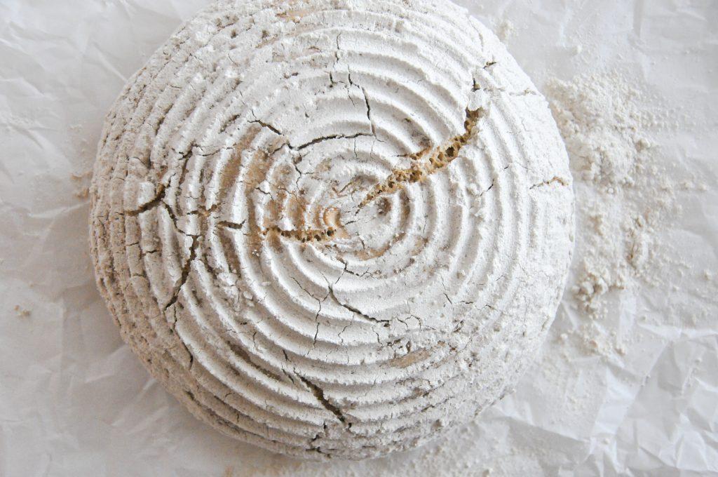 natürliches Einkorn Brot | backen mit Sauerteig ohne zugesetzte Hefe