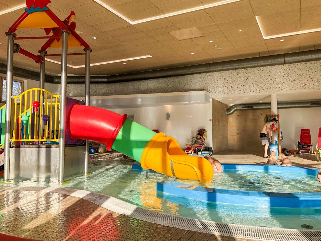 Kinderspass und Familienauszeit in der H2O Therme in Bad Waltersdorf