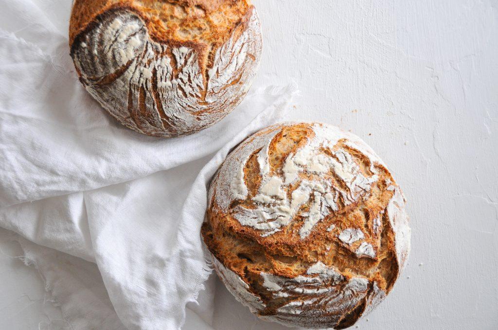 Weizenvollkorn Brot mit Sauerteig und Sonnenblumenkernen Michaela Titz