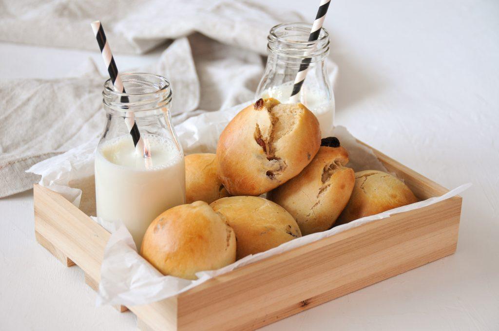vegane Milchbrötchen mit Rosinen   Lieblingsfrühstück Michaela Titz