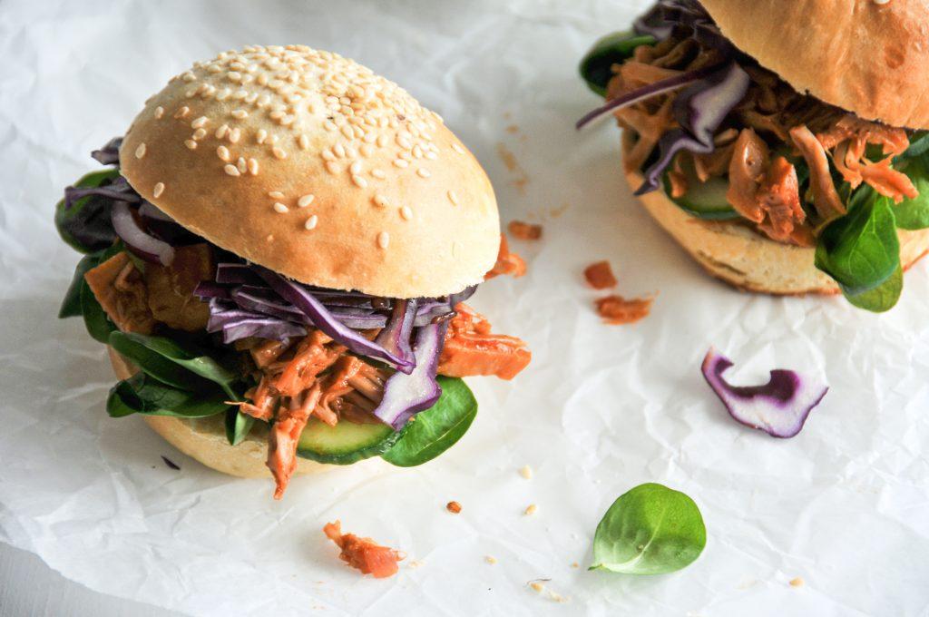 Pulled Pork Burger mit Jackfruit | vegane Küche ganz einfach