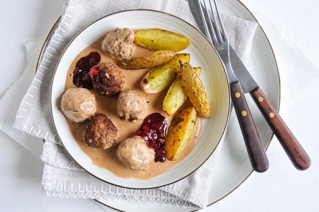 Köttbullar mit cremiger Sauce | homemade Fleischbällchen