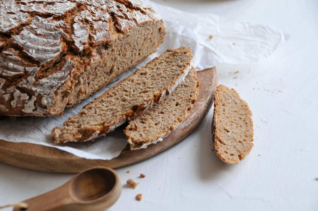 Roggenvollkornbrot mit Sauerteig | Brotbacken ohne zusätzliche Hefe