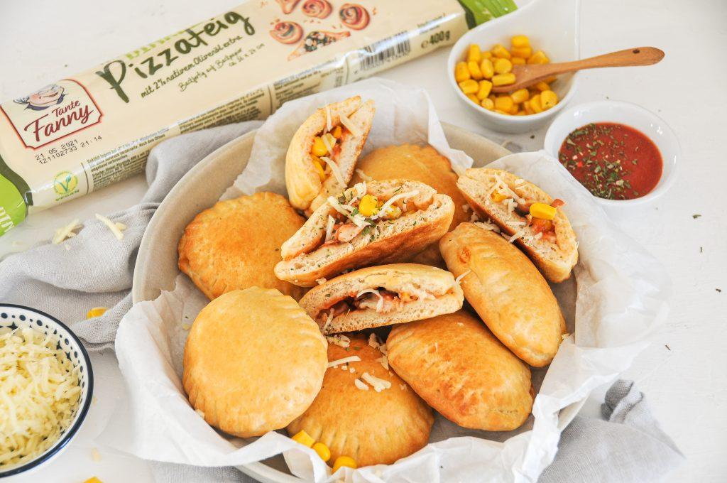 Mini Calzone Bites | Snackidee zum Tag der Familie mit Tante Fanny