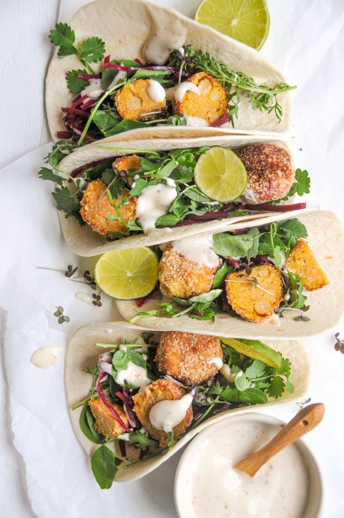 sommerlicher-taco-mit-falafel-schnelle-sommerkueche Michaela Titz littlebee